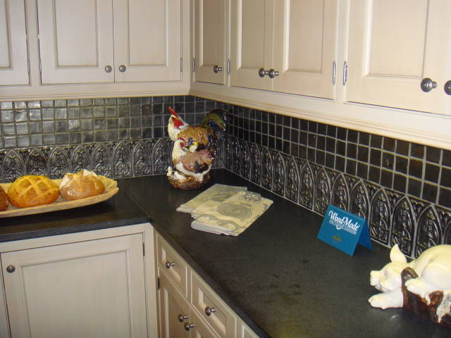 Southern Accents - Counter Backsplash